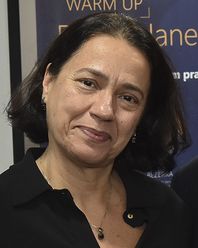 Profa. Alexandra Monteiro