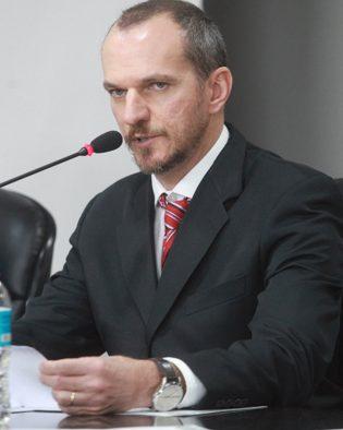 Prof. Dr. Sílvio Eduardo Valente